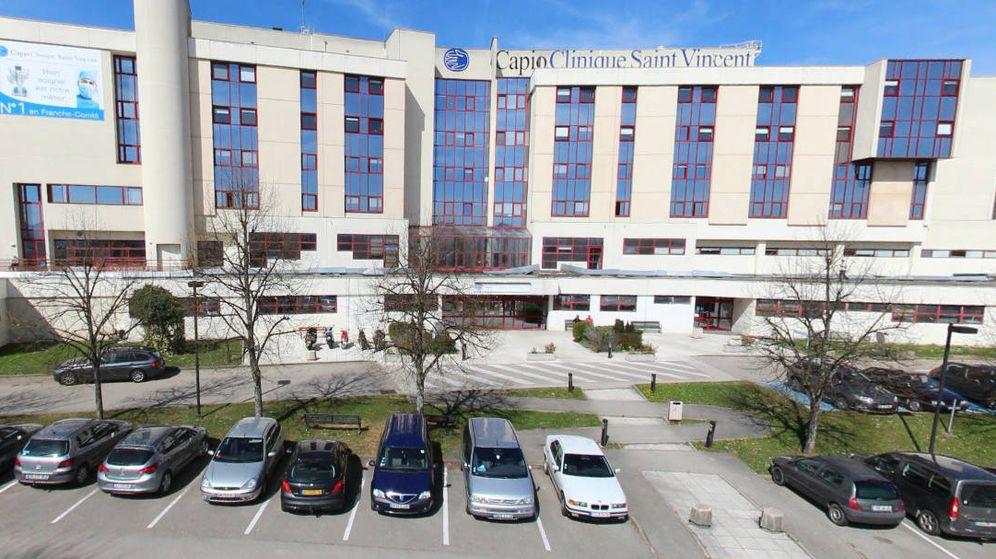 Foto: La clínica Saint-Vincent de Besancon donde presuntamente tuvieron lugar los hechos (Foto: Google Maps)