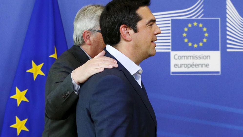 Foto: Tsipras con Juncker en Bruselas. (Reuters)