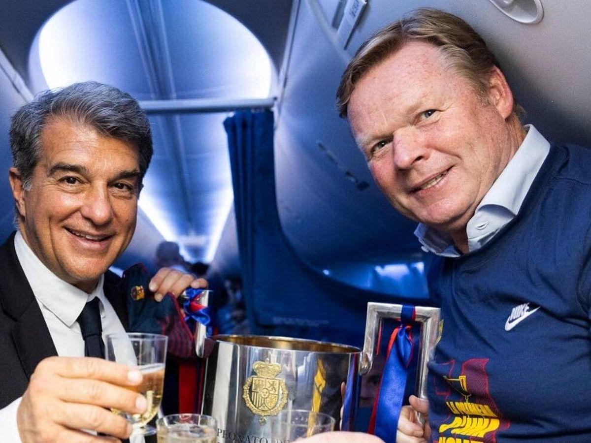 Foto: Laporta y Koeman, en la celebración de la Copa del Rey. (@RonaldKoeman)