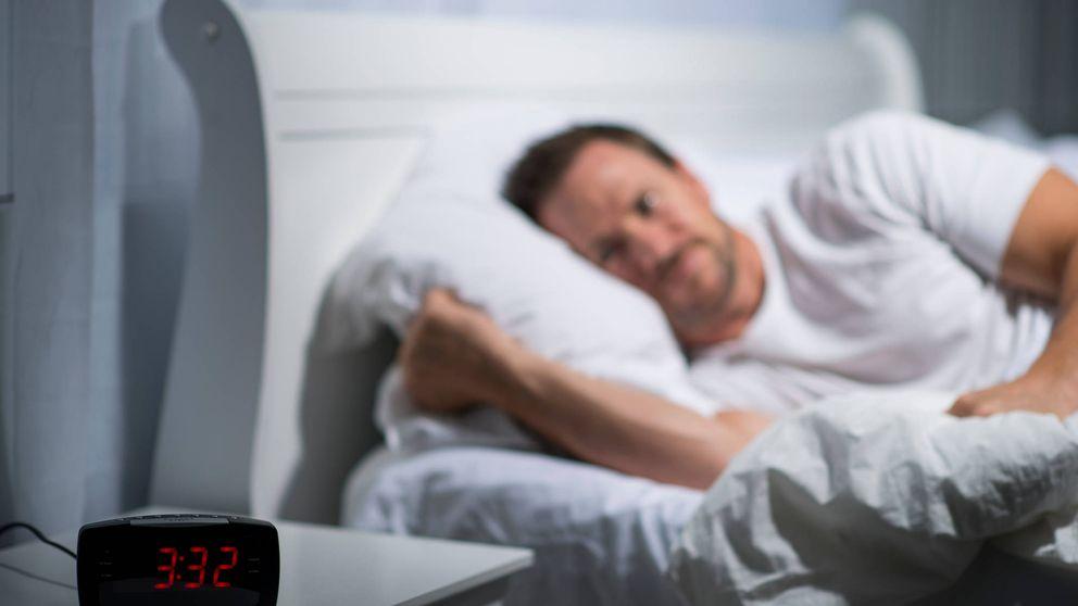 Los motivos más frecuentes por los que te sueles despertar en mitad de la noche