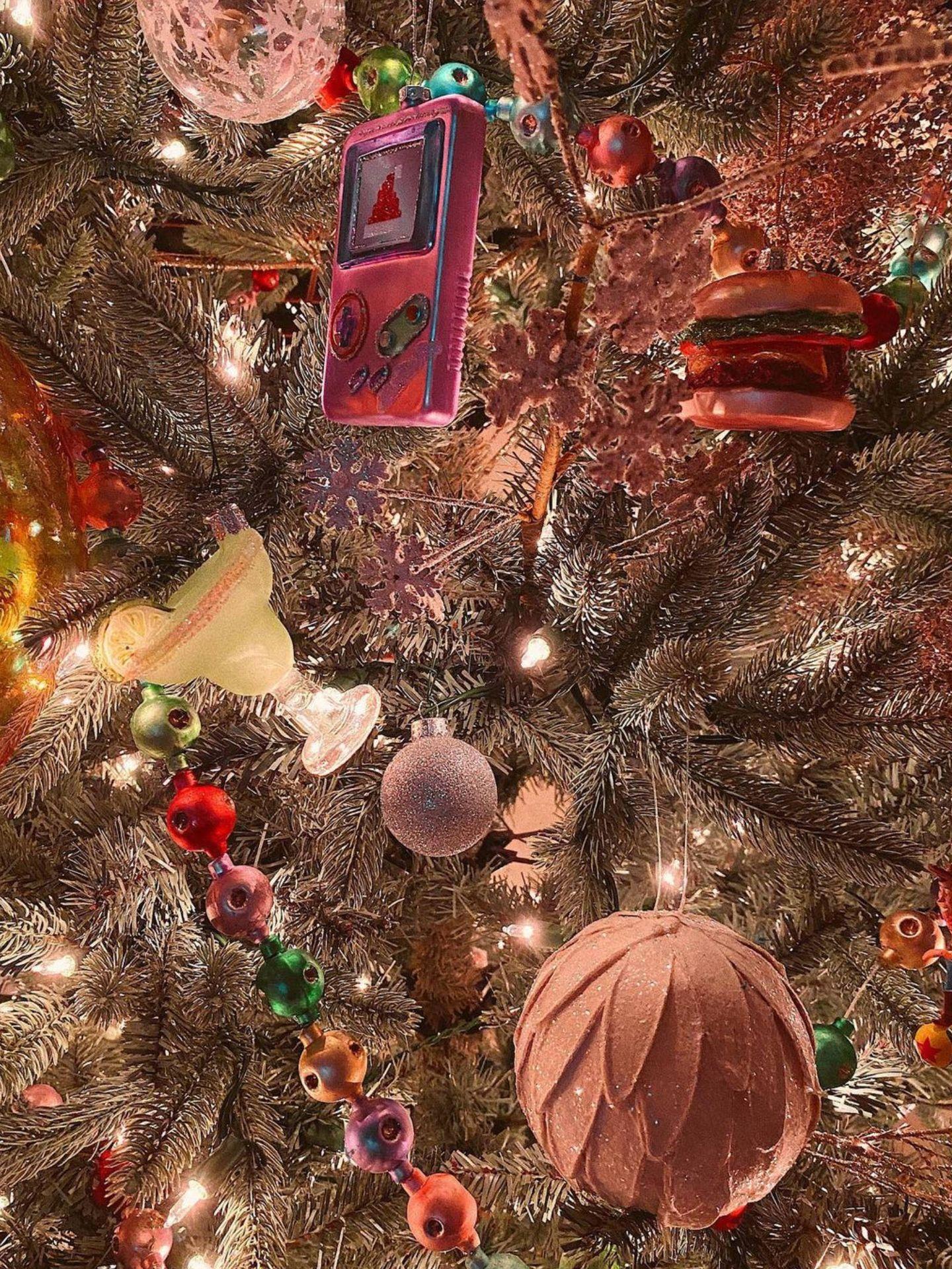 Los originales adorno del árbol de Gigi Hadid. (Instagram @gighadid)