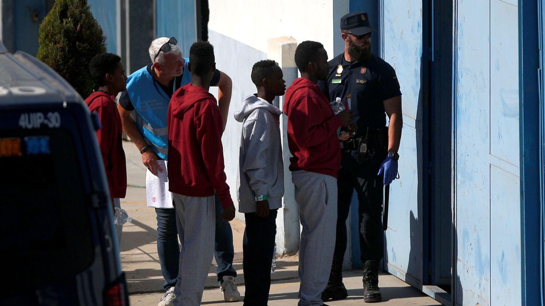 Migrantes del Open Arms a su llegada a España. (Reuters)
