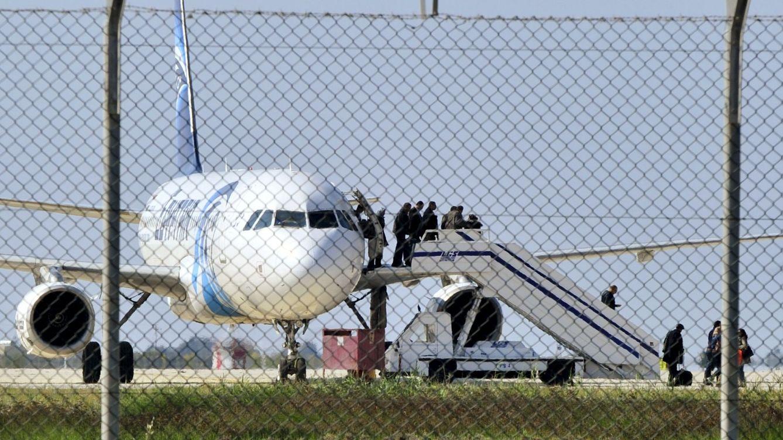 Detenido el secuestrador del avión de EgyptAir: No es un terrorista, es un idiota