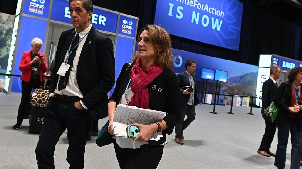 Foto: Álvaro Abril y Teresa Ribera, que en 2007 ya formaron parte de un grupo que propuso esa vicepresidencia. (EFE)