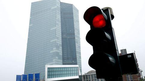 El BCE mejora las previsiones del PIB (-8%) y admite estar siguiendo de cerca al euro