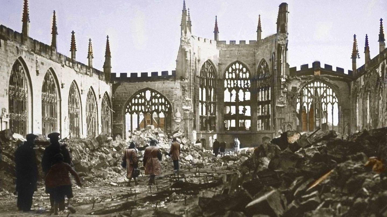 Ruinas de la catedral de Coventry.