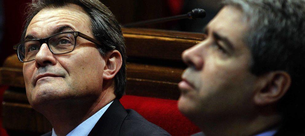 Foto: El presidente de la Generalitat, Artur Mas (i), y el 'conseller' de Presidencia, Francesc Homs. (EFE)