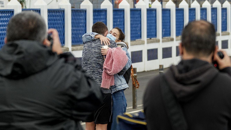 Concluye el desembarco de los 59 pasajeros del ferry encallado en Agaete (Gran Canaria)