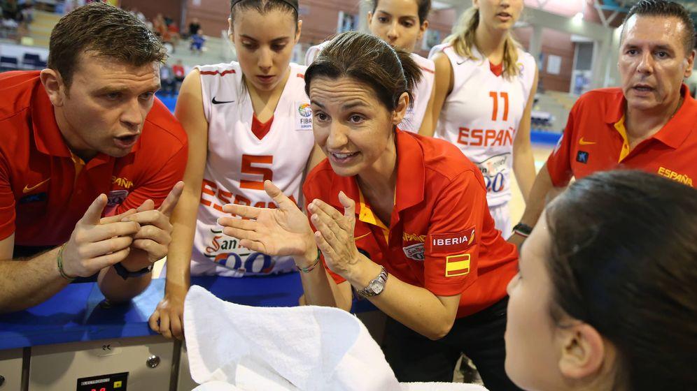 Foto: Anna Caula, en un partido del Campeonato Europeo Femenino de 2014, cuando era seleccionadora española de la sub-20. (Foto: FIBE)