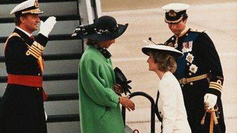 Los Reyes eméritos con los príncipes de Gales.