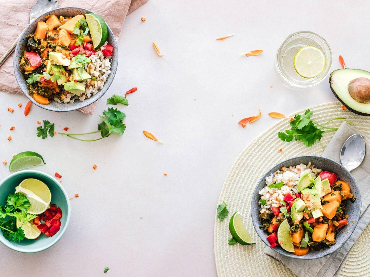 Foto: Recetas saludables para no saltarte la dieta. (Ella Olsson para Unsplash)