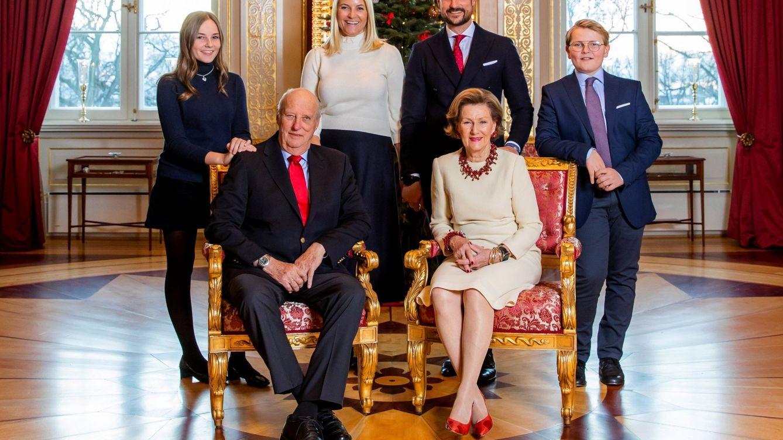 Ingrid Alexandra de Noruega, en minfalda (y todos los detalles de la felicitación navideña)