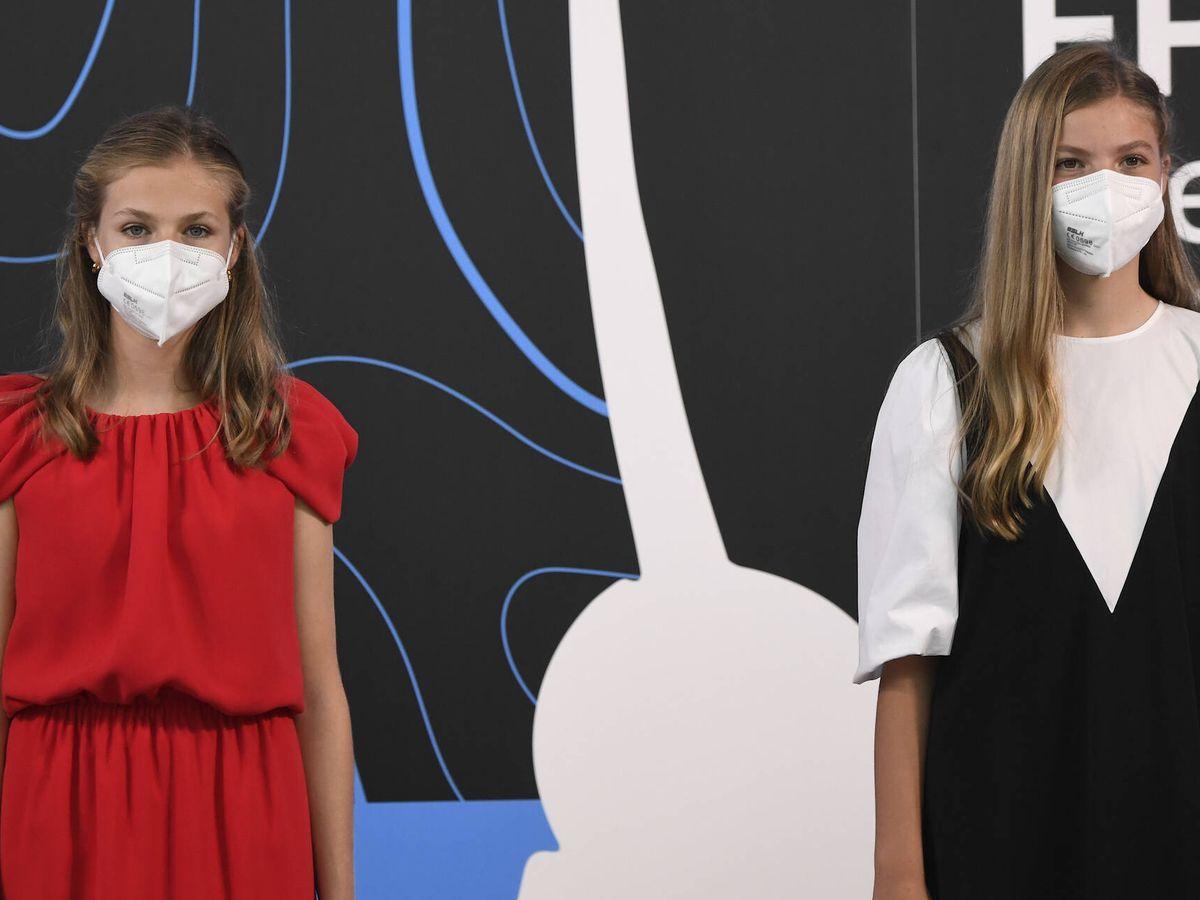Foto: La princesa Leonor y la infanta Sofía, en los Premios Princesa de Girona. (LP)