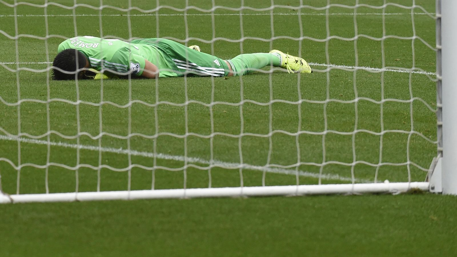 Foto: Sergio Romero no tuvo una buena actuación y fue determinante en la derrota del United (Reuters)