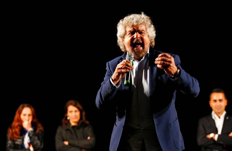 Foto: Beppe Grillo, fundador y líder del Movimiento 5 Estrellas, durante un evento a favor del No en el referéndum, en Roma (Reuters).