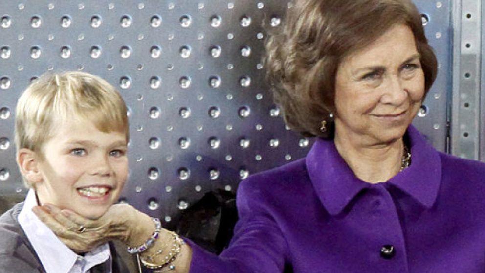 Más abuela que reina: Doña Sofía viaja a Barcelona para felicitar a su nieto Miguel Urdangarin
