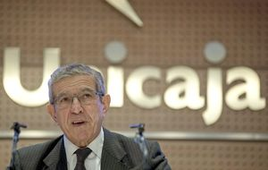 Medel dimite de Ahorro Corporación para evitarse males mayores en Unicaja
