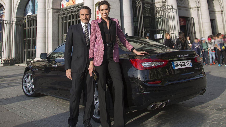 Foto: La modelo Nieves Álvarez y su marido, Marco Severini, a las puertas del Teatro Real de Madrid