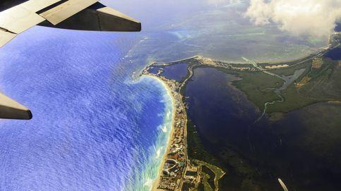 El piloto de avión que se puso a ligar con un pasajero a través del móvil en pleno vuelo