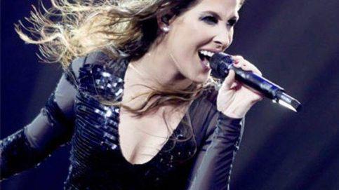 Malú confiesa su gran alegría en pleno concierto en Marbella
