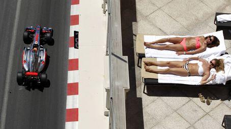 Olivia Palermo y la reina Letizia: dos mujeres y un vestido, ¿quién lo lleva mejor?