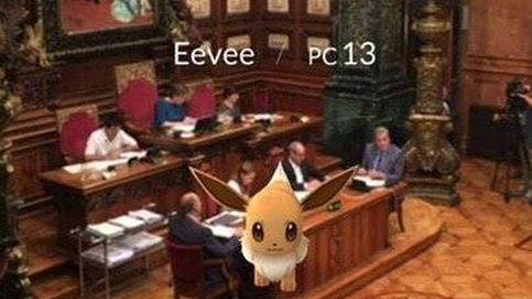 Un Pokémon se cuela en el Ayuntamiento de Barcelona