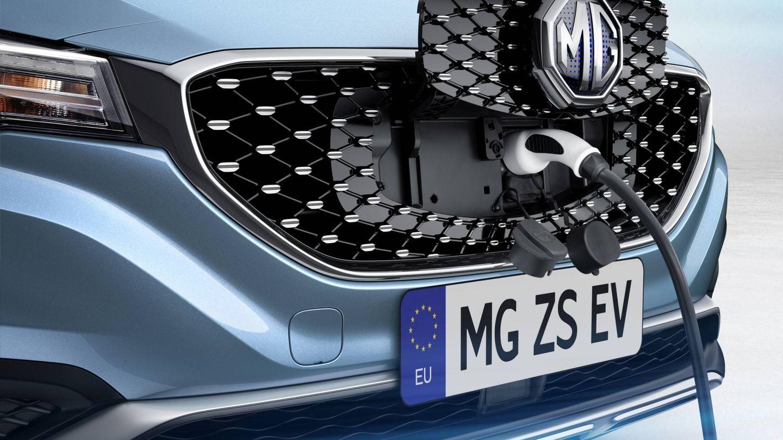 Muchas páginas web de marcas, como la de MG, ofrecen ya calculadoras que permiten al usuario ver cómo influyen la temperatura, la velocidad o el uso de la climatización en la autonomía real de los coches eléctricos.