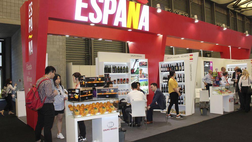 Foto: Expositores españoles presentes en el Salón Internacional de la Alimentación (SIAL), celebrado en Shanghái. (EFE)