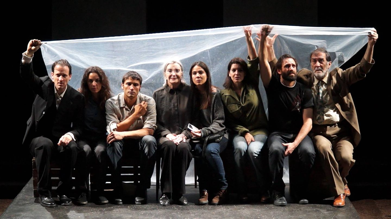 El reparto de 'Incendios' con Nuria Espert a la cabeza (Teatro de la Abadía)