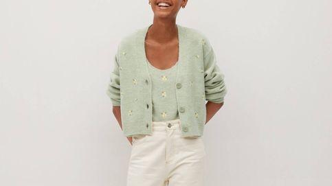 El conjunto de chaqueta y top de punto de Mango que ha enamorado a las influencers