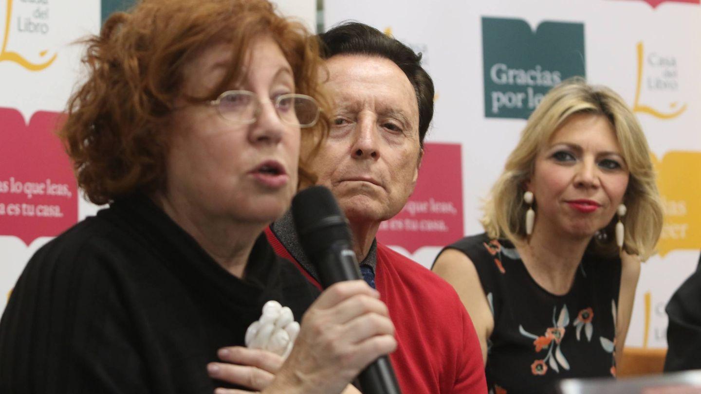 Rosa Villacastín, Ortega Cano y Marina Bernal, la autora. (Cordon Press)