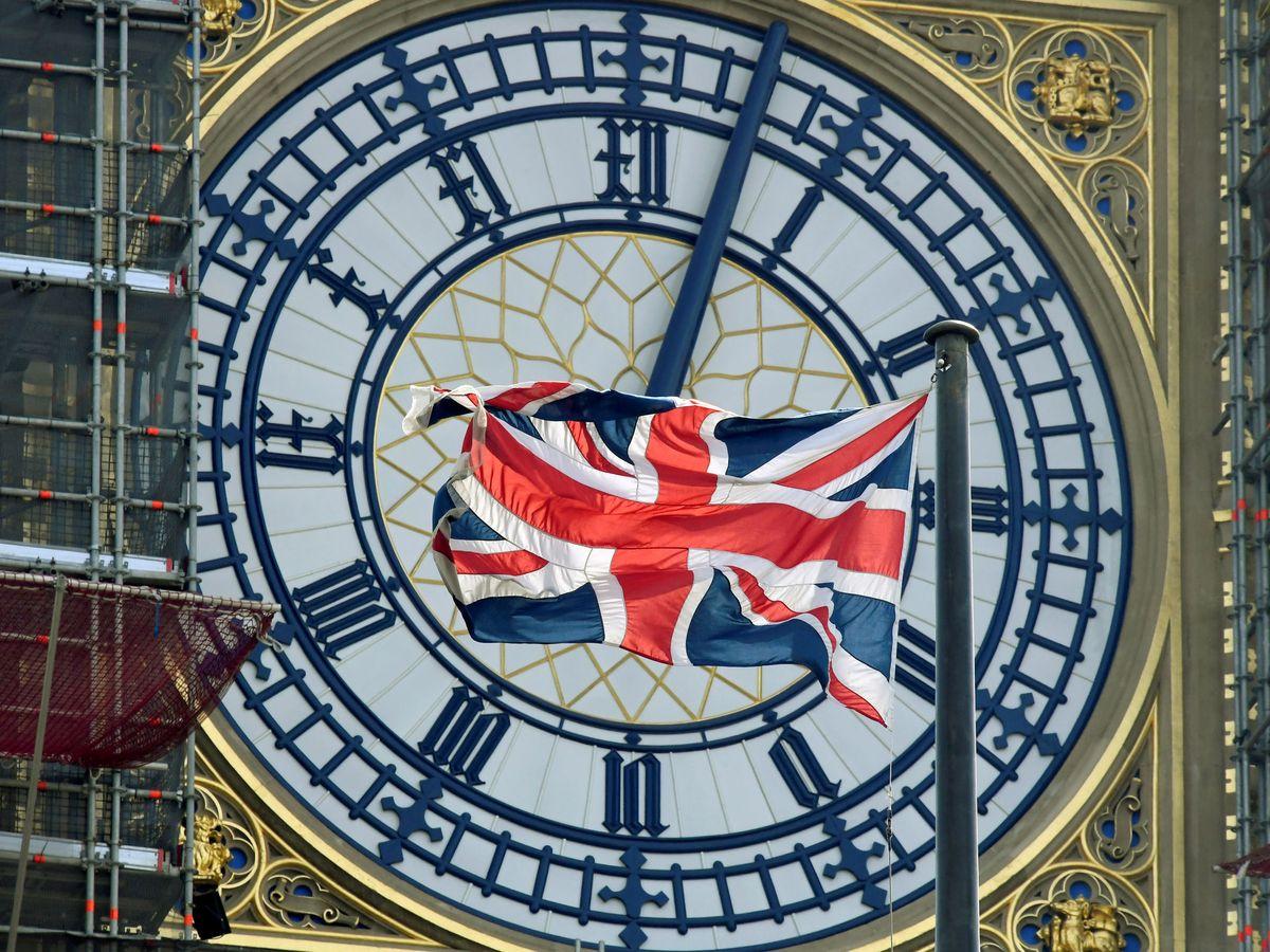 Foto: La bandera británica y el Big Ben. (Reuters)