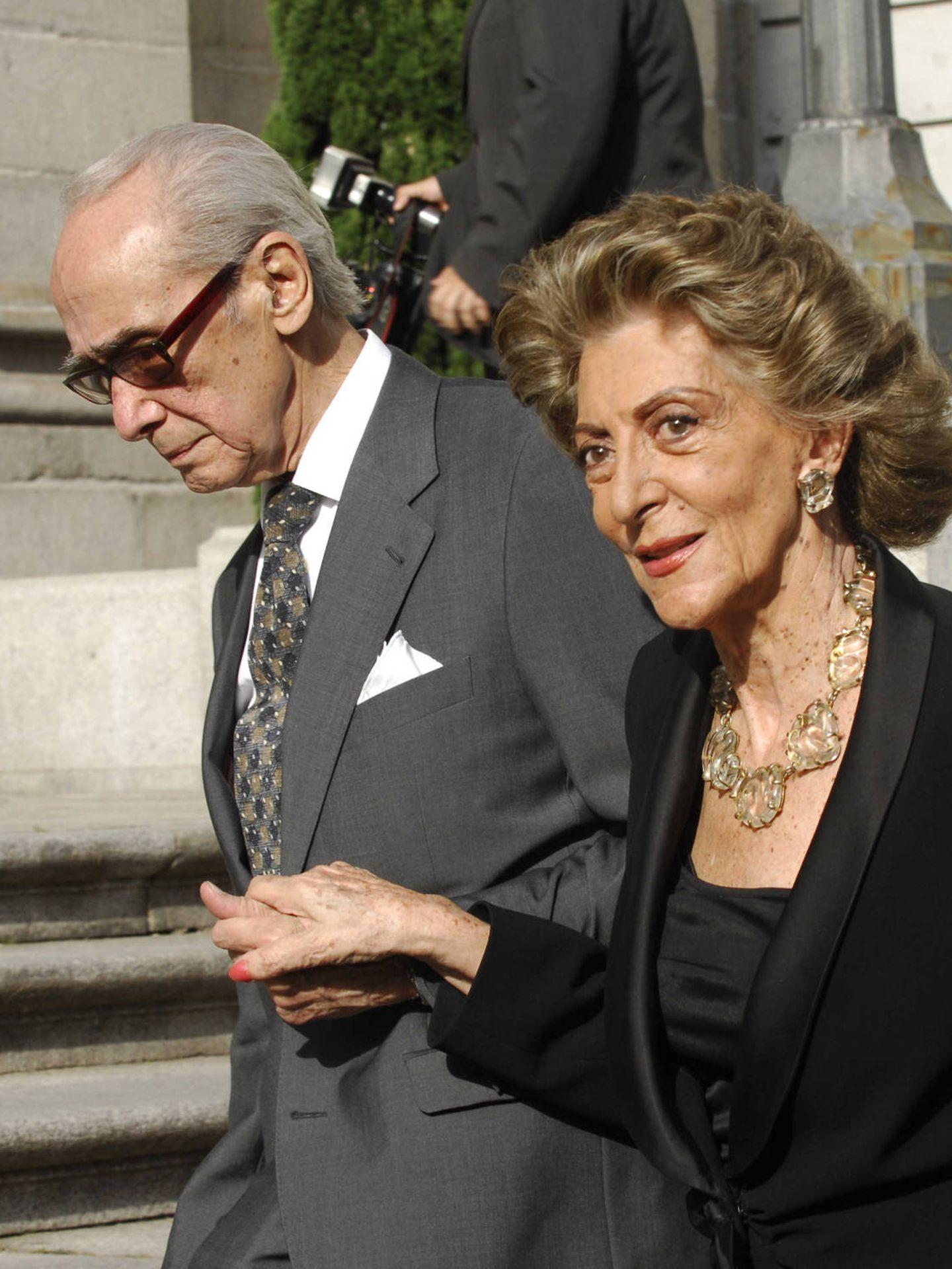 Pitita Ridruejo y Mike Stilianopoulos, en una boda. (Getty)