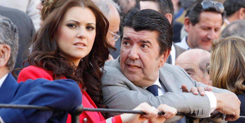Foto: Gil Silgado y su exnovia, la Miss España 2004 María Jesús Ruiz (Gtres)