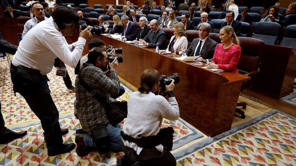 Foto: Cristina Cifuentes, en el último pleno de la Asamblea. (EFE)