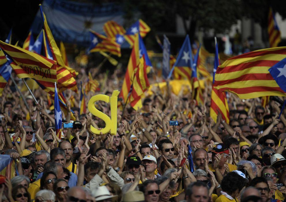 Foto: Manifestación independentista en Barcelona (AP)