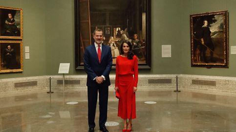 Letizia, una 'menina' ideal con vestido rojo y de Massimo Dutti en el Prado