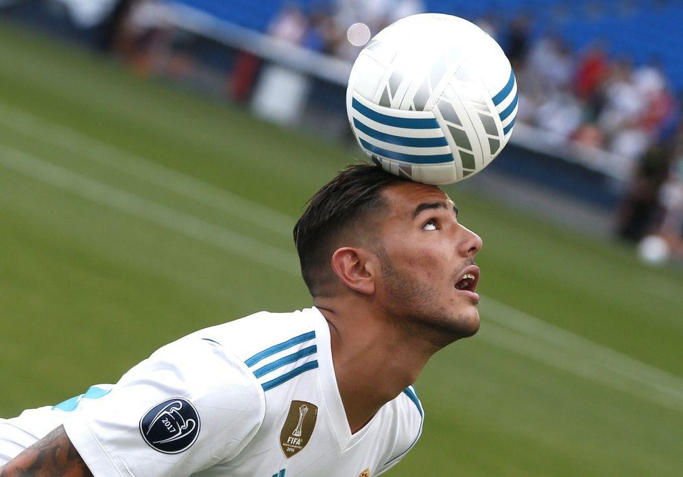 Foto: Theo Hernández, durante su presentación como jugador del Real Madrid. (EFE)
