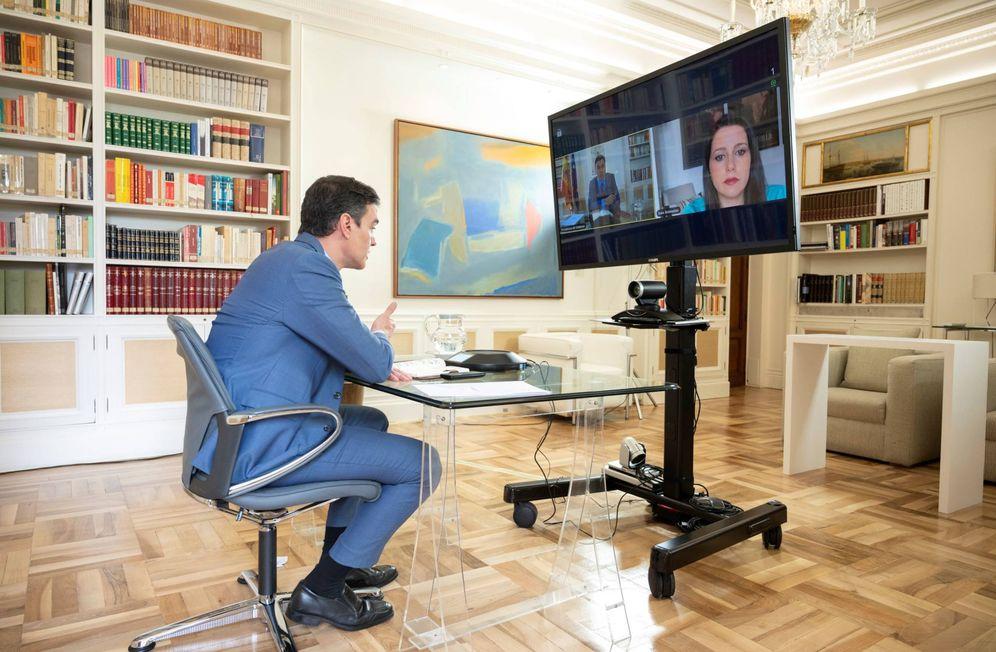 Foto: Pedro Sánchez, durante su videoconferencia con Inés Arrimadas, este 16 de abril de 2020 en la Moncloa. (Pool Moncloa)
