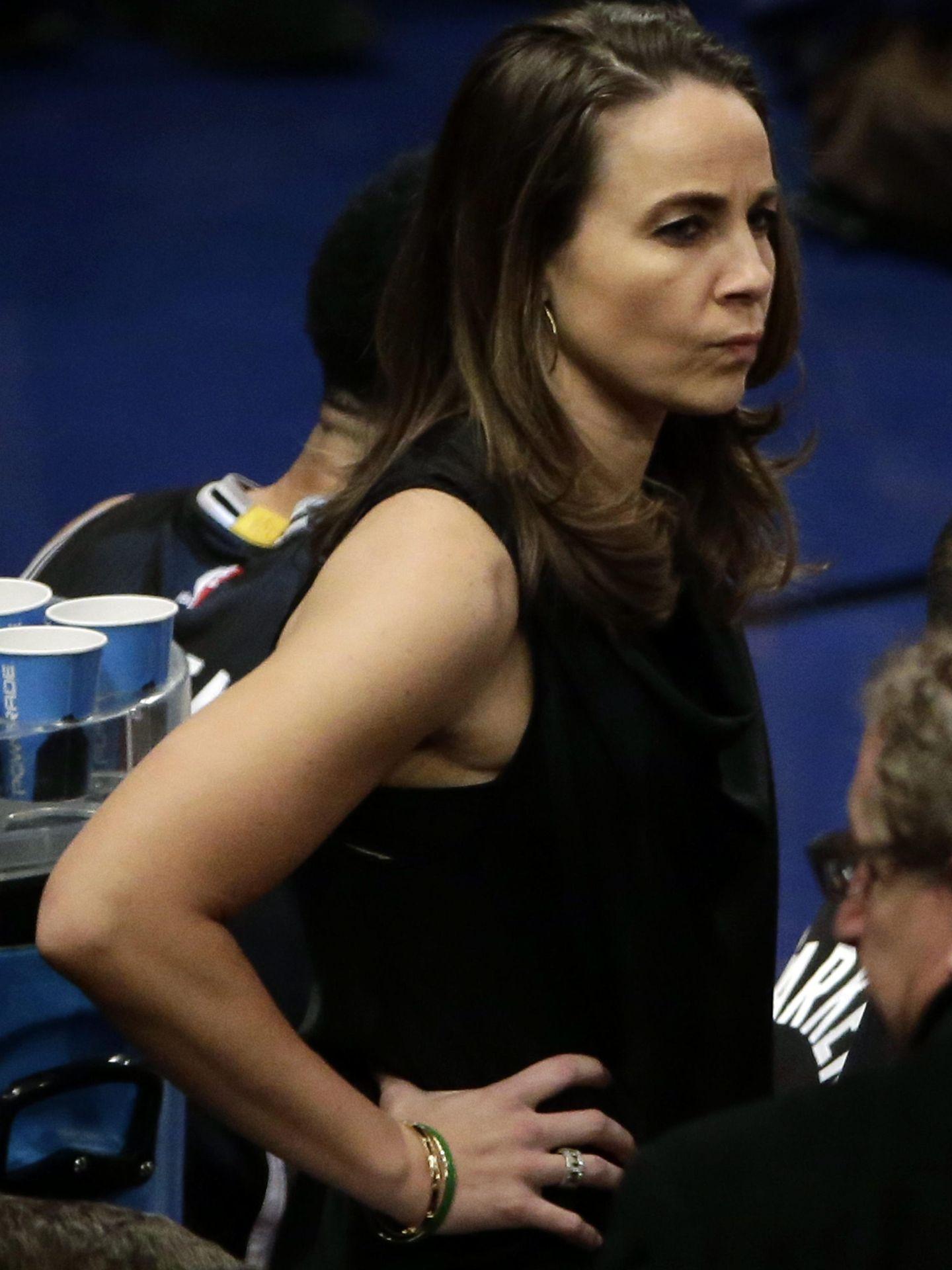 Becky Hammon será entrevistada por los Milwaukee Bukcs para el cargo de entrenadora principal. (EFE)