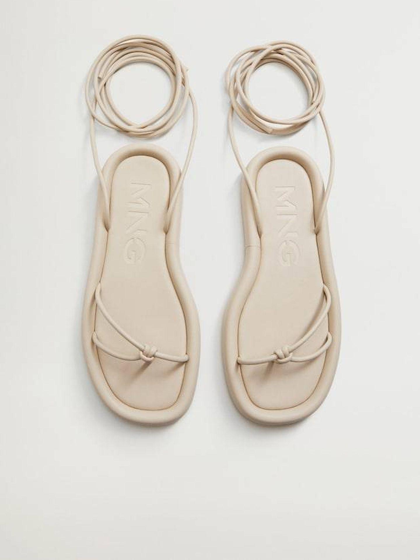 Sandalias de tiras de Mango. (Cortesía)