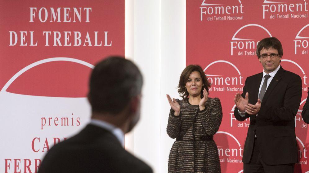 Foto: La vicepresidenta del Gobierno, Soraya Sáenz de Santamaría, y el presidente de la Generalitat, Carles Puigdemont. (EFE)