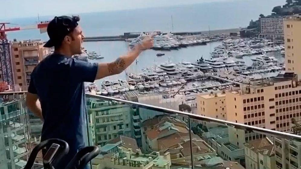 Foto: Ces Fábregas, desde el balcón de su casa en el Principado de Mónaco (Foto: Instagram)
