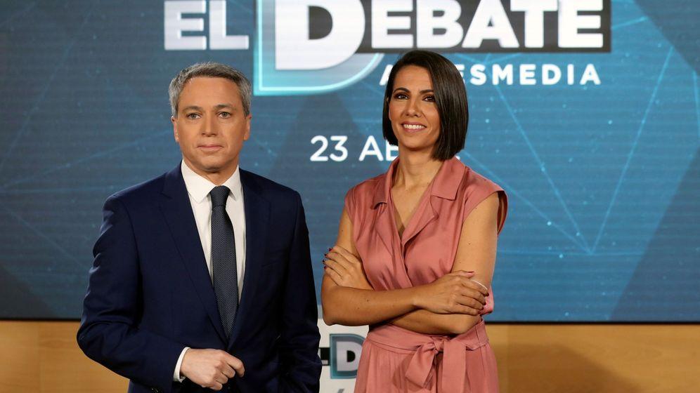 Foto: Los periodistas Ana Pastor y Vicente Vallés. (EFE)