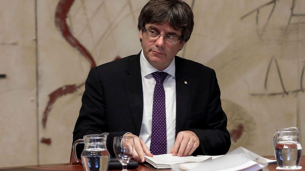 Foto: El presidente catalán, Carles Puigdemont, en el Palau de la Generalitat. (EFE)