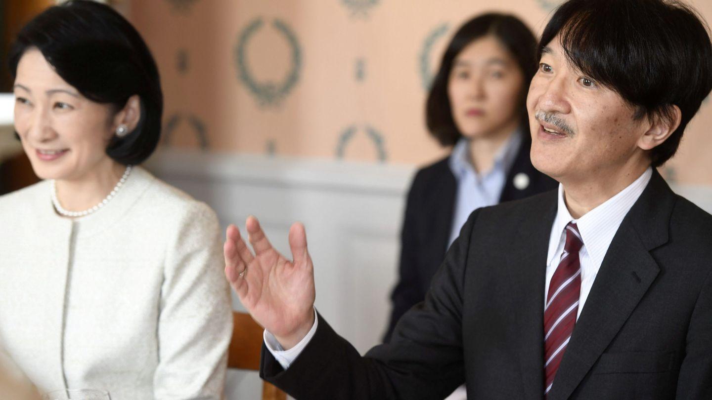Akishino y su mujer, la princesa Kiko. (Reuters)