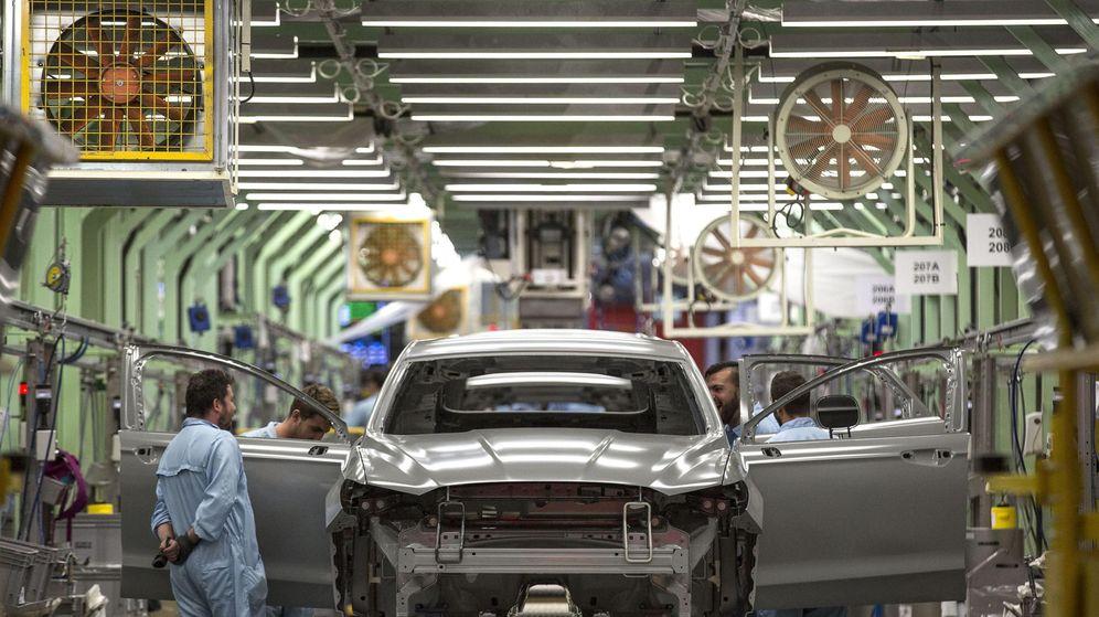 Foto: Cadena de producción de la planta de Ford en Almussafes (Valencia). (EFE)