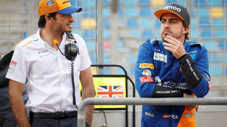 Foto: MIentras que Alonso puede pilotar el RS20 la semana que viene, Sainz tendrá que esperar a enero para subir a uno de dos años de antigüedad.