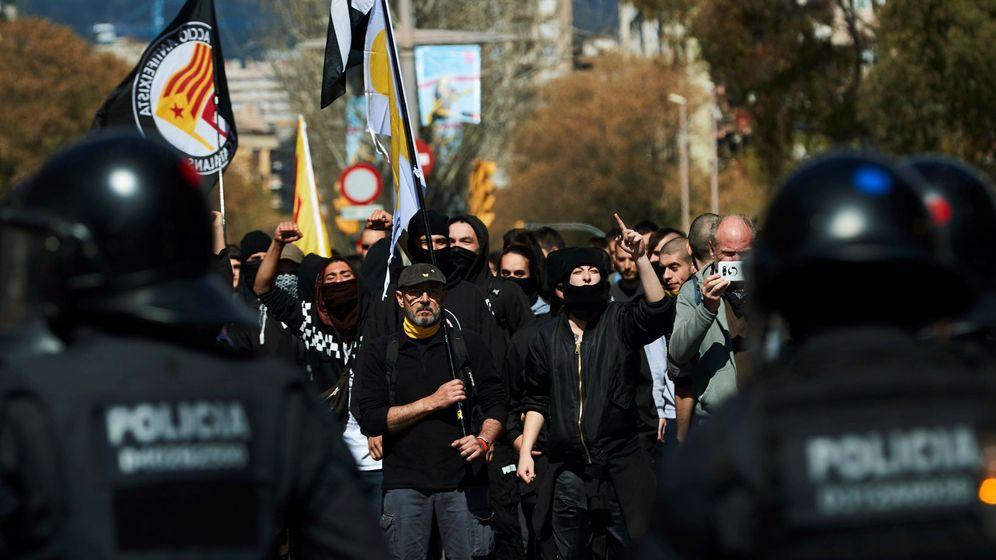 Foto: Foto de archivo de una manifestación independentista contra un acto de Vox en Barcelona. (EFE)