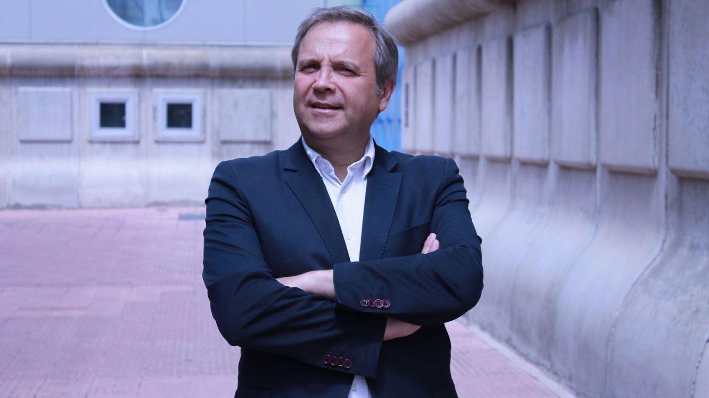 Foto: El socialista Antonio Miguel Carmona, el pasado 12 de abril, en la Convención Municipal del PSOE. (Álex Beltrán)
